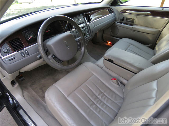 2009 lincoln town car executive l for sale. Black Bedroom Furniture Sets. Home Design Ideas
